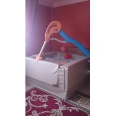 бассейн с шарами